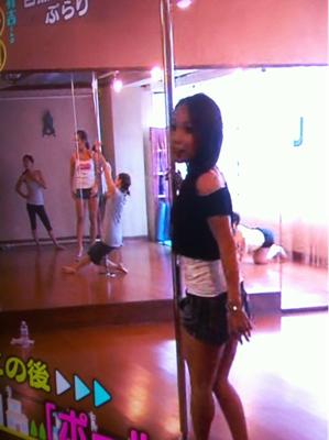 ミカ先生のポールダンス教室で!